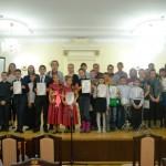 Участники VII Открытого Сибирского конкурса молодых исполнителей на духовых и ударных инструментах с членами жюри Аунс М.В. и Лобановым В.Я.